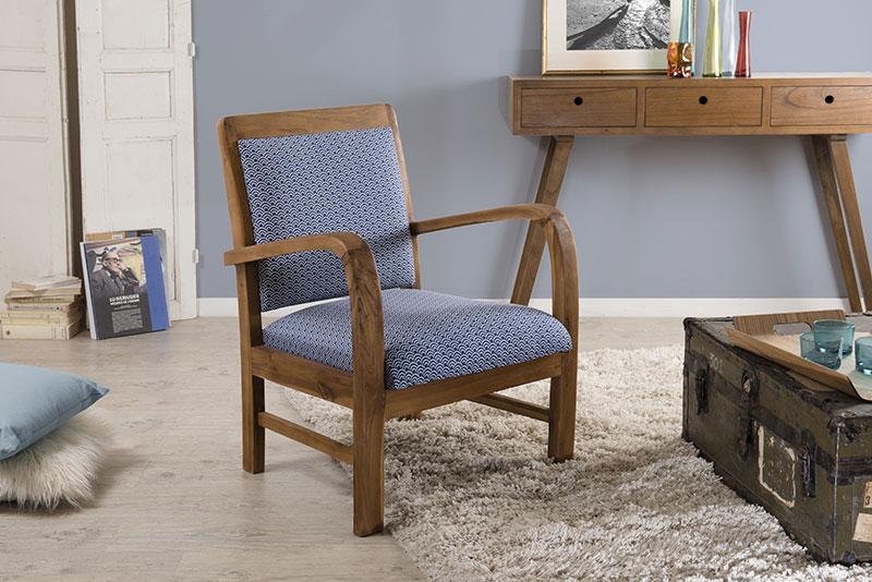 fauteuil nordique en tissu bleu