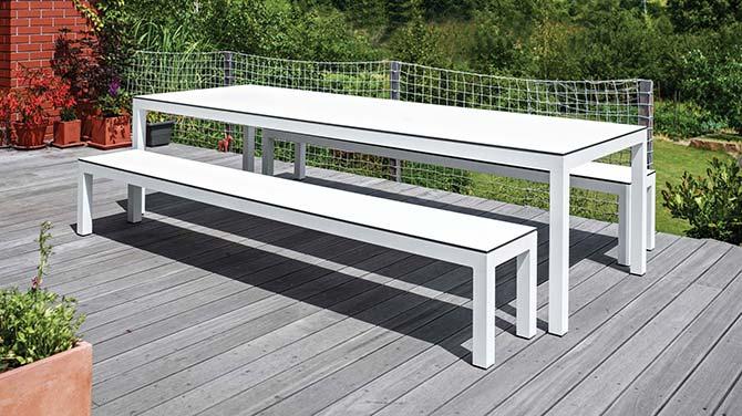 Table et banc de jardin design blanc